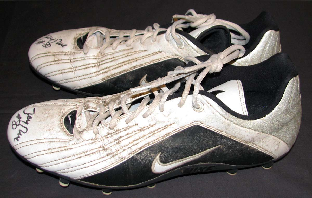 19a187db2 Lot Detail - 2002 Jerry Rice Oakland Raiders Game-Used and Signed Cleats